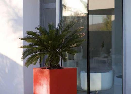 Venkovní samozavlažovací květináč Cubo Alto