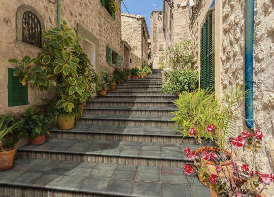 2. NOVINKA - dlažba se schodovým programem Anticato s charakteristickou patinou