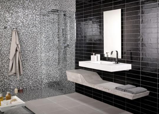 Mozaika ve sprchovém koutě <a href='http://www.loskachlos.cz/shop/file/1445/'>Emphasis Vitra I</a>