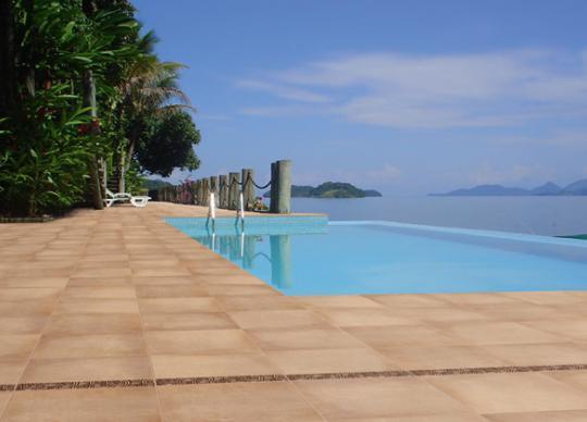 Bazénová dlažba a prvky Liébana.