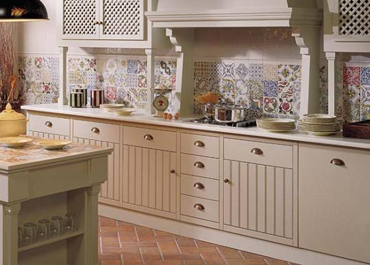 Shabby Chic obklady do kuchyně, série Aranda. Přes 30 dekorů, 6 základních barev, cena od 1798 Kč/m2 <a href='http://www.loskachlos.cz/shop/file/1644/'>Aranda</a>