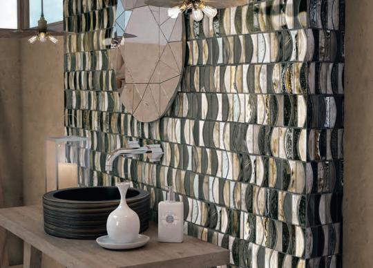 Zlato v koupelně, mozaika Reggae <a href='http://www.loskachlos.cz/shop/file/1445/'>Emphasis</a>