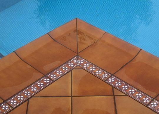 Detail - dlažba Rodamanto a její bazénová krajovka a dekor